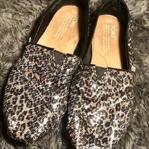 Tom's sequence cheetah animal print shoes size 7